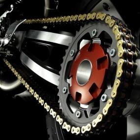 engrasar-cadena-moto-600x375