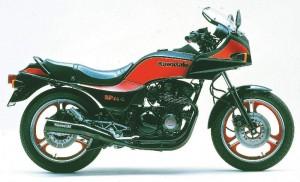 kawasaki-gpz400-300x182